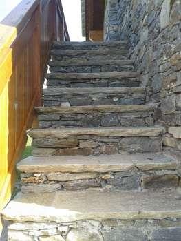 Balconi e scale interventi di nuova realizzazione for Gradini per scale esterne