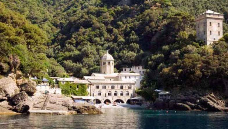 San Fruttuoso di Camogli: una perla meravigliosa nella baia di Portofino