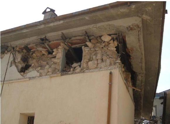Case Di Pietra Terremoto : Adeguamento antisismico gli interventi per la sicurezza degli edifici