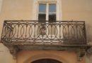 Sostituire le vecchie mensole di sostegno di un balcone? Ecco come fare