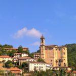 Nella Langa astigiana abbarbicato sulla collina il bellissimoborgo di Cessole
