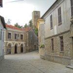 L'antico borgo medievale di Cavatore a cavallo tra le valli Erro e Visone