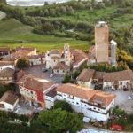Nelle Langhe, Roero e Monferrato il piccolo Comune di Barbaresco