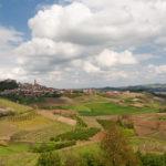 Govone: a metà strada tra Alba e Asti nella regione del Roero