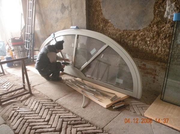 restauroeconservazione-lunotto-in-legno-portale-interno