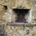 Come ripristinare un sicuro contatto tra le pietre di una muratura?