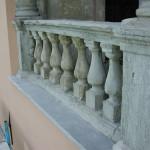 Come conservare manufatti lapidei di pregio presenti su una facciata