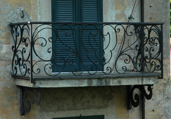 Balconi e scale restauro e conservazione - Ringhiere in ferro battuto per balconi esterni ...