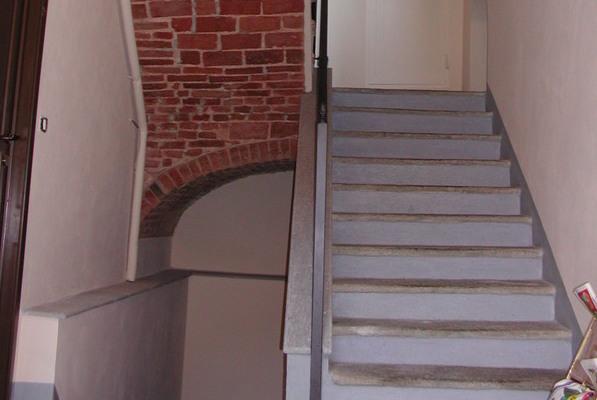 restauroeconservazione-scala-pedate-in-pietra-restaurata