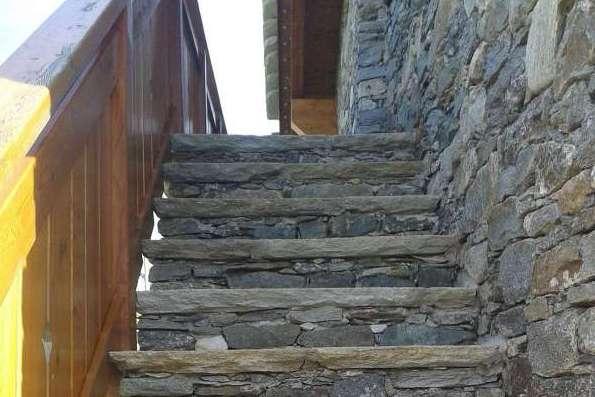 restauroeconservazione-scala-in-pietra