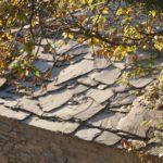 La tradizione costruttiva dell'ardesia: tetti e facciate