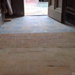 """Fasi di recupero del """"ritrovato"""" pavimento in cotto di San Pietro"""