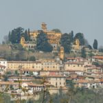 Arroccato sulle colline del Monferrato casalese il paese di Villadeati