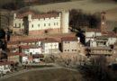 Nelle colline astigiane il borgo rurale con castello di Cortanze