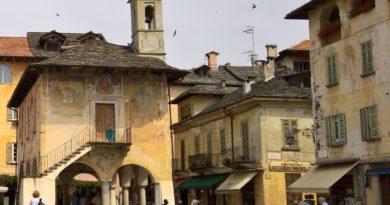 """Le abitazioni storiche sul Lago d'Orta: l'uso di """"piode"""" o """"beole"""" per tetti e facciate"""