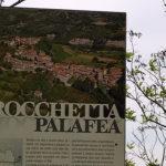 """Rocchetta Palafea: sulla collina che domina la Valle Belbo una """"rocca"""" tra i vigneti"""