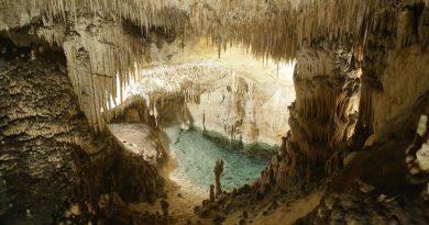 """Nelle isole baleari le suggestive """"Cuevas Drach """", le grotte del drago"""
